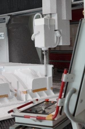 CNC-Maschine im Einsatz KV Schneppenheim Styropor